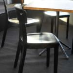 Tisch Savoy, Stuhl Icon von möbelfabrik horgenglarus.jsp