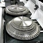 Automatyzacja procesu ostrzenia  pozwala na maksymalne  wykorzystanie mocy maszyn.