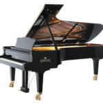Właściwie wykonana powłoka lakiernicza fortepianu pełni nie tylko funkcję estetyczną, ale ma także ogromny wpływ na dźwięk.