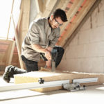 Cięcie z zachowaniem kątów i gładka powierzchnia umożliwiają łatwe układanie materiałów izolacyjnych i ograniczają liczbę koniecznych poprawek.